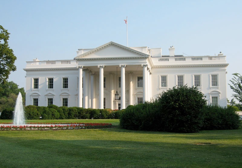 WhiteHouse-byLollyKnit-Flickrviafotopedia