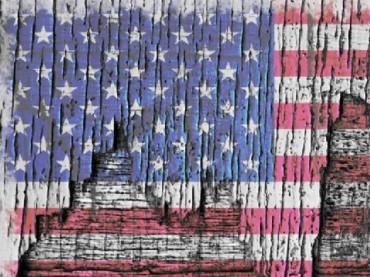 TatteredAmericanFlag.Beverly.Flickr