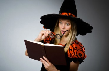 halloween-witch-surprise.Elnur.Shutterstock