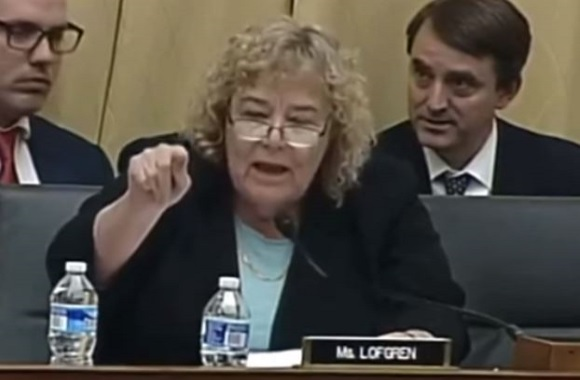Watch democrat lawmaker flips out on professor who says transgenders should not be indulged for Pro transgender bathroom arguments